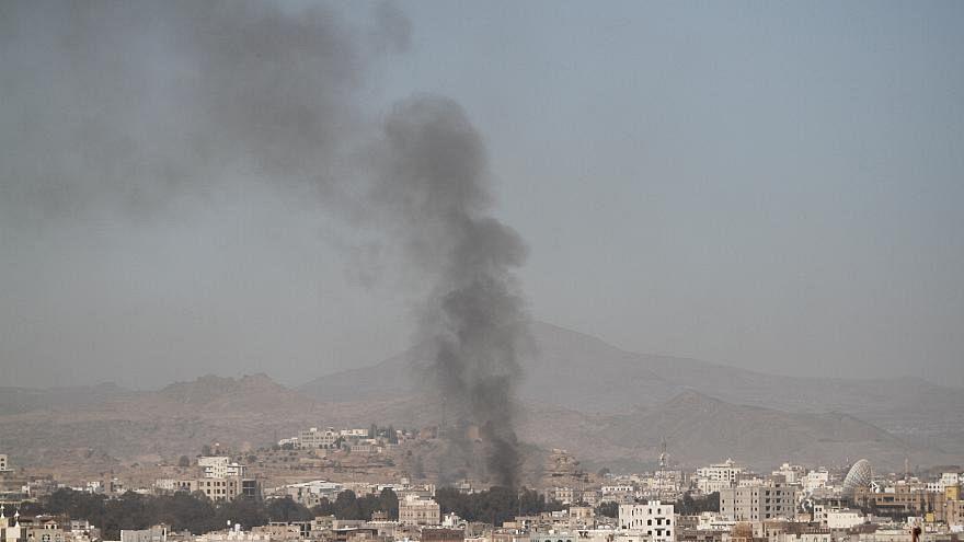 قتلى وجرحى في ضربات جوية في محافظة الحديدة