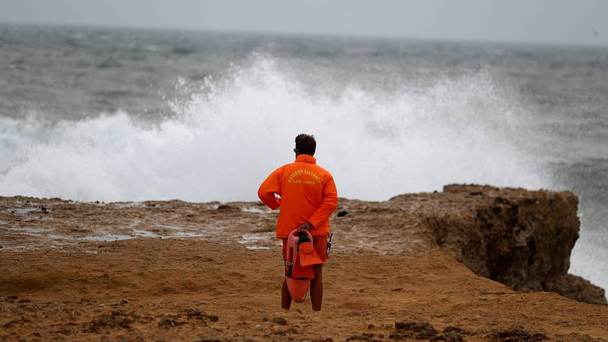 An den Stränden nagt das Meer - Portugal verschwindet