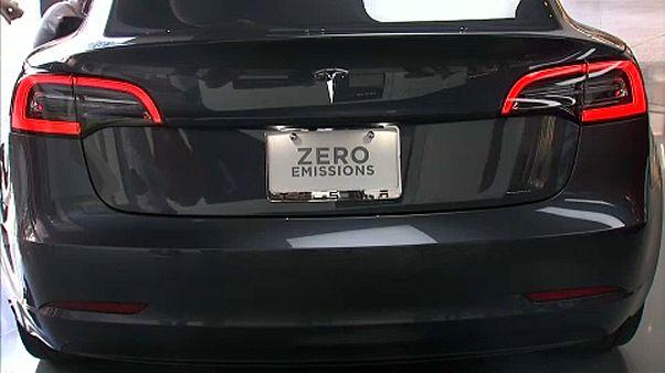 Tesla вышла в прибыль