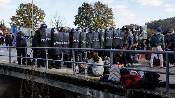 Migrants clash with police at Bosnia-Croatia border