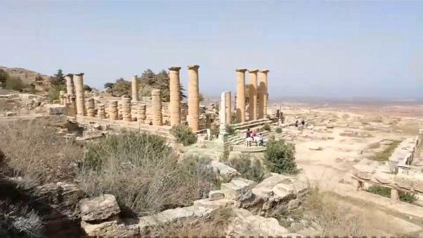 Туристов сменили вандалы