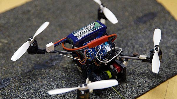 Το ιπτάμενο ρομπότ που ανοίγει κλειστές πόρτες