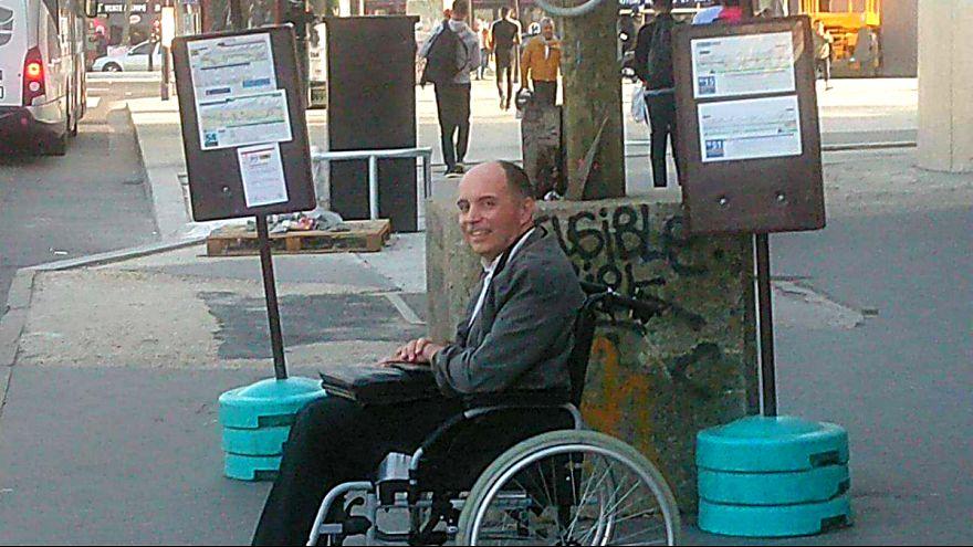 Engelli yolcu belediye otobüsüne alınmayınca sürücü herkesi aşağı indirdi