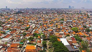 Indonesien: Eine Fahrkarte? 5 Plastikflaschen, bitte!