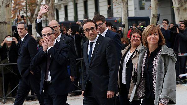 إسبانيا: إحالة 18 من قادة الانفصاليين في كتالونيا إلى المحاكمة