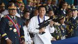 رئیس جمهوری فیلیپین مدیران گمرک را بدلیل ورود محموله یک تن شیشه اخراج کرد