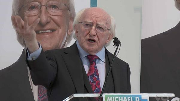 Dichter Higgins (77) will irischer Präsident bleiben