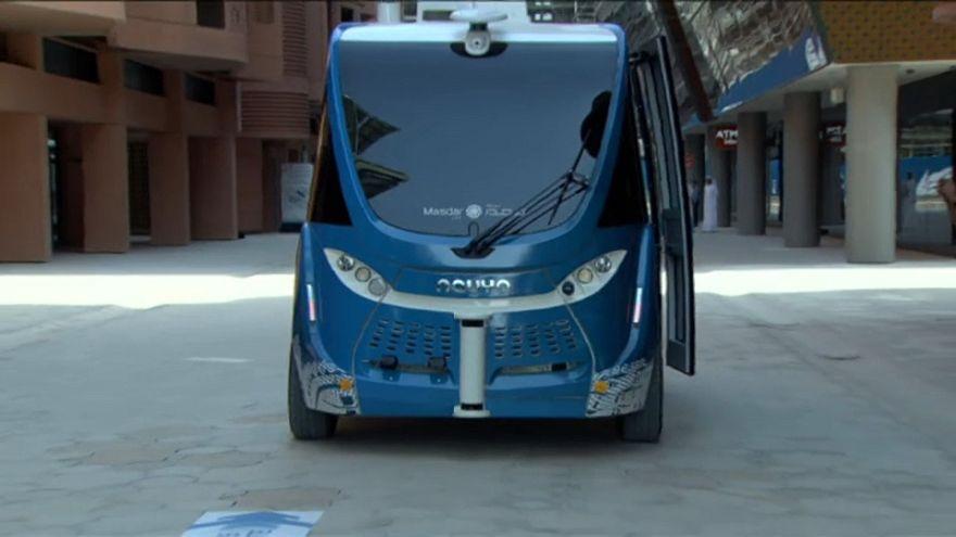 شاهد: مدينة مصدر الإماراتية تدشن أول حافلة  ذاتية القيادة في الشرق الأوسط