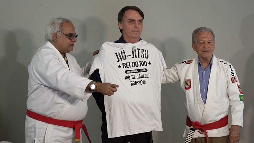 Bolsonaro garante que não vai retirar Brasil de Acordo de Paris