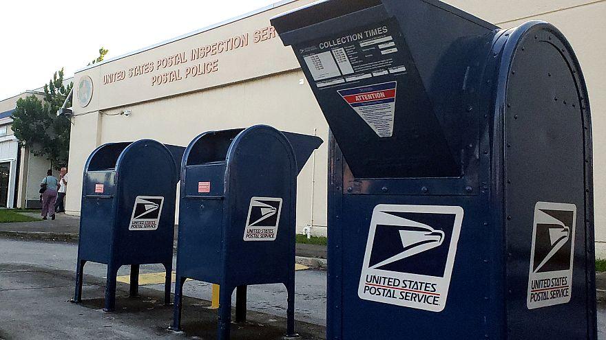 Cartas bomba: Polícia faz buscas em centro de distribuição postal