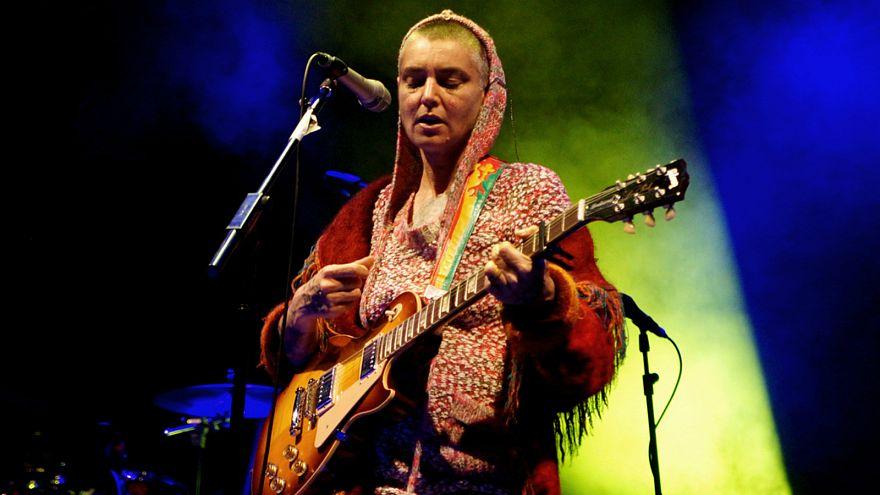 """المغنية الإيرلندية سينيد أوكونور تعتنق الإسلام وتختار اسم """"شهداء"""""""