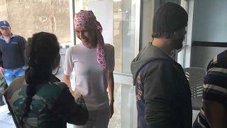 شاهد: أسماء الأسد تدعو إلى الفحص المبكر لسرطان الثدي خلال جلسة للعلاج