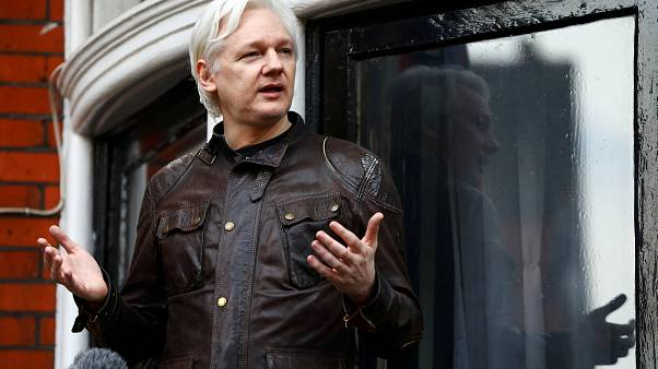 Assange interpone una acción de protección constitucional contra Ecuador