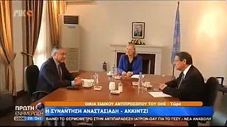 Кипр: новые КПП и переговоры