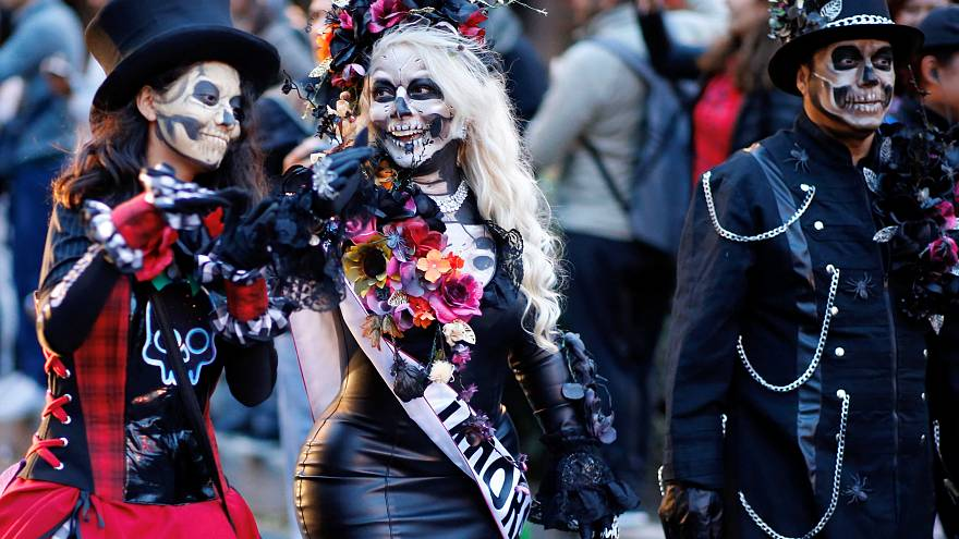 Day of the Dead and 'French Spider-Man': No Comment of the week