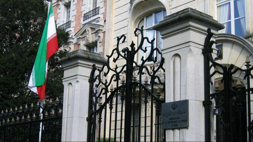 رویترز: فرانسه یک دیپلمات ایرانی را اخراج کرد
