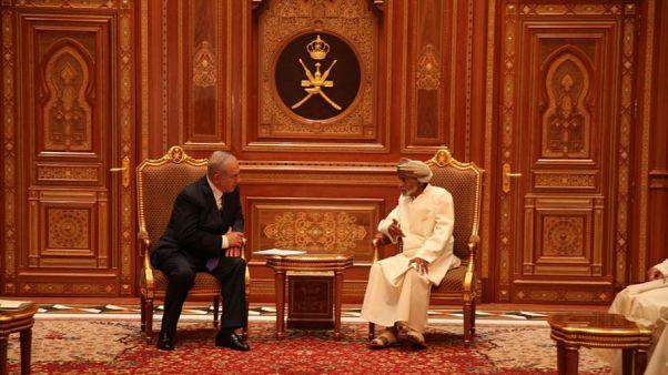 """نتنياهو """"يصنع التاريخ"""" ويزور سلطنة عمان سراً ويلتقي السلطان قابوس"""