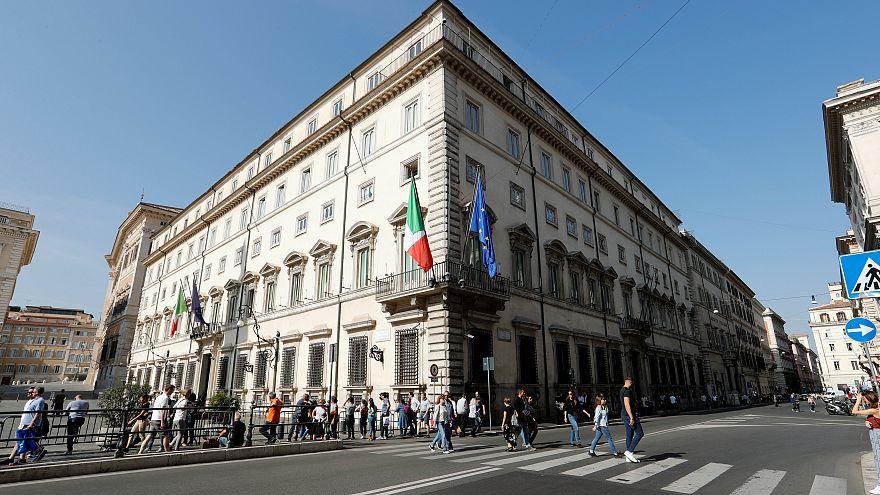 """Ratingagentur S & P bewertet Italiens Aussichten als """"negativ"""""""