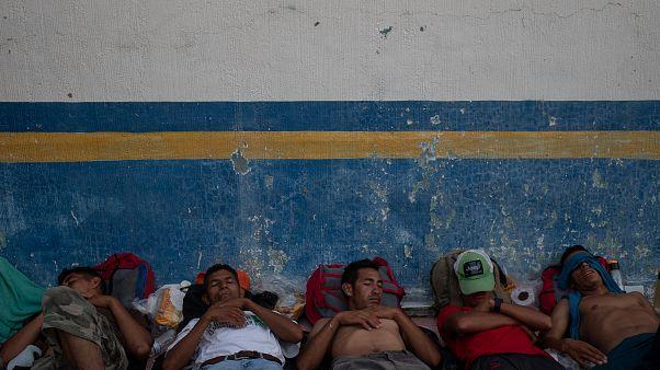 La caravana de migrantes rechaza la oferta de Peña Nieto