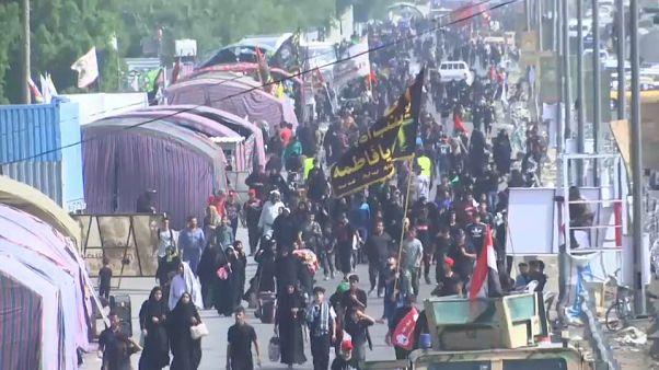 العراقيون الشيعة يسيرون نحو كربلاء لتأدية مراسم أربعينية الحسين