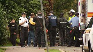 Tűzharc egy pittsburgh-i zsingagógában, nyolc halott