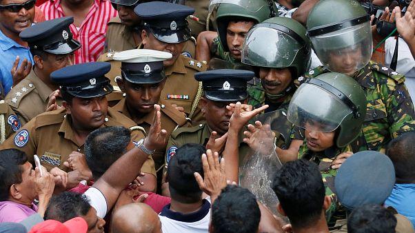 بحران سیاسی سریلانکا؛ تیراندازی محافظان وزیر خلع شده یک کشته بر جای گذاشت