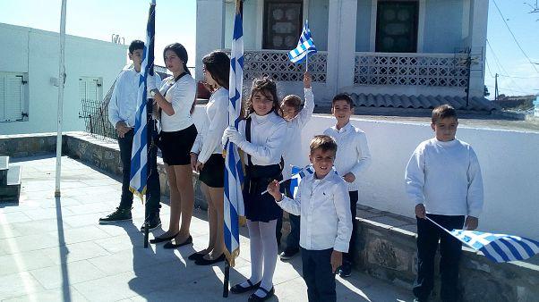 Αγαθονήσι: Συγκίνηση για την παρέλαση των οκτώ μαθητών