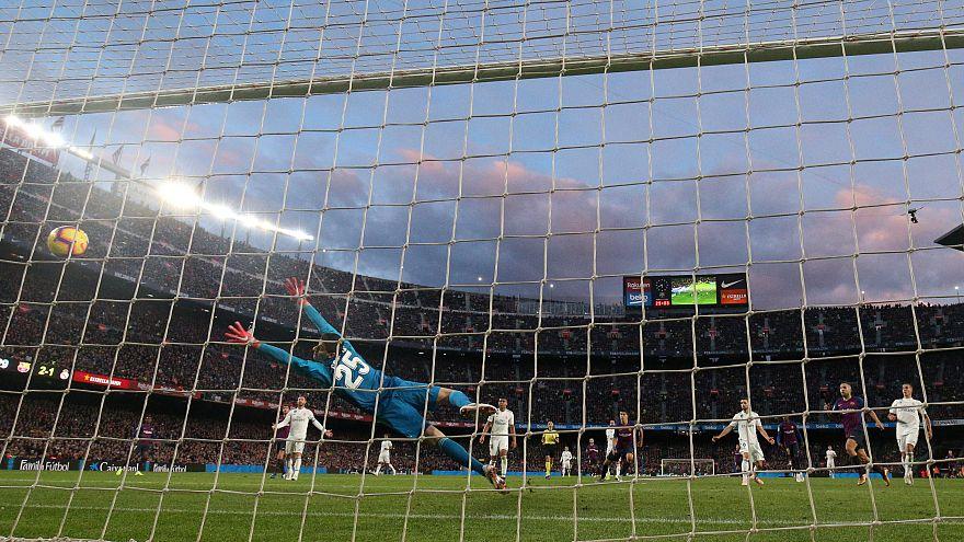 Calcio: il Barcellona affonda il Real per 5 a 1