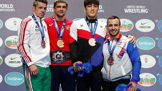 Золотой медалист в греко-римской борьбе Александр Чехиркин и другие призёры
