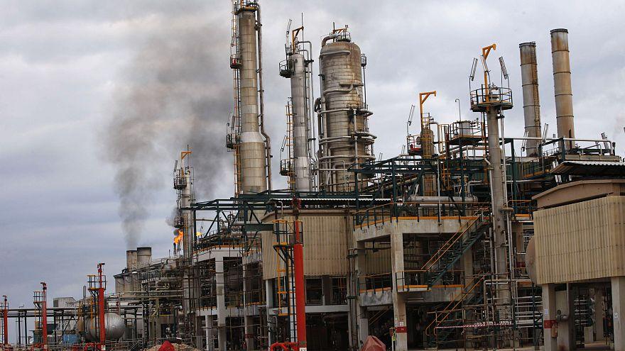ليبيا: رجال قبائل ينظمون احتجاجا عند حقل الشرارة النفطي