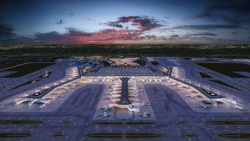 Dört başlıkta İstanbul'daki 'en büyük havalimanı' tartışmaları