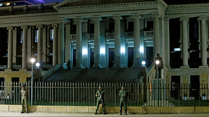 سربازان در مقابل کاخ ریاست جمهوری سریلانکا