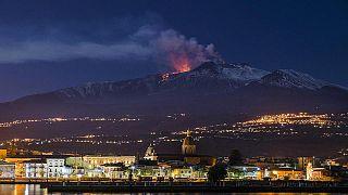 Akdeniz'de tsunami korkusu: Etna Yanardağı denize sürükleniyor
