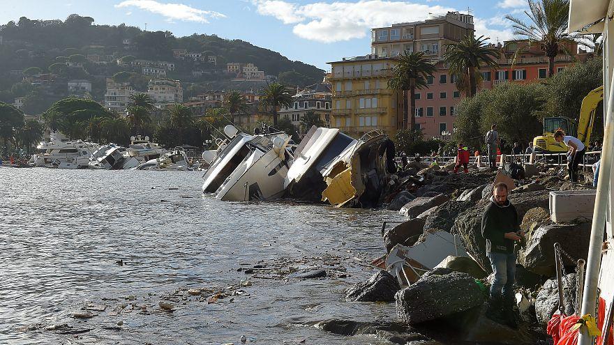 Gli yacht distrutti sul lungomare di Rapallo