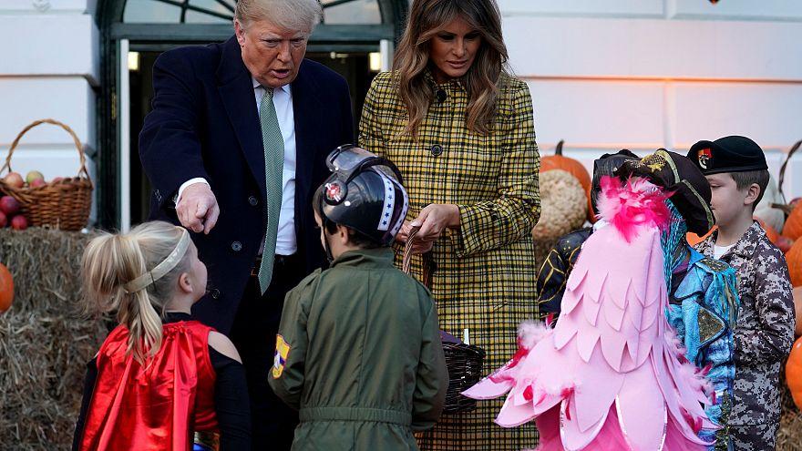 Trump néhány percre cukros bácsivá vált