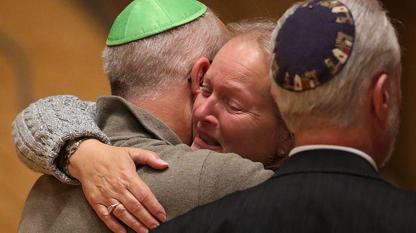 Almanya'da Yahudi soykırımından kaçan Samet, sinagog saldırısında 4 dakikayla kurtuldu
