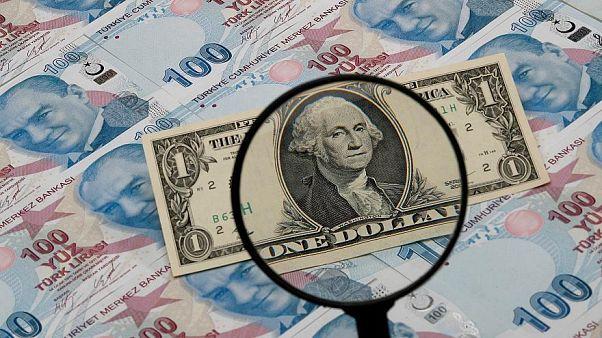 Dolar Türk Lirası karşısında son 2,5 ayın en düşük seviyesini gördü