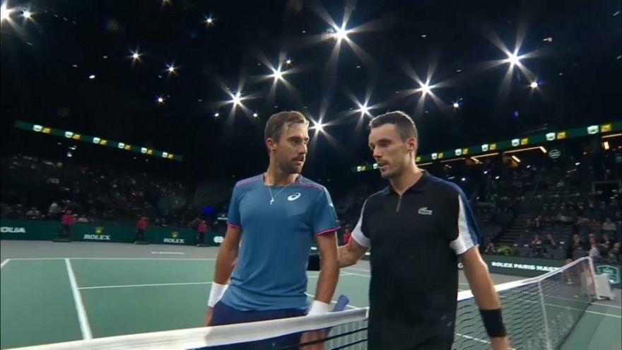 كرة المضرب: الإسباني باوتيستا أغوت يترشح للدور الثاني في بطولة باريس