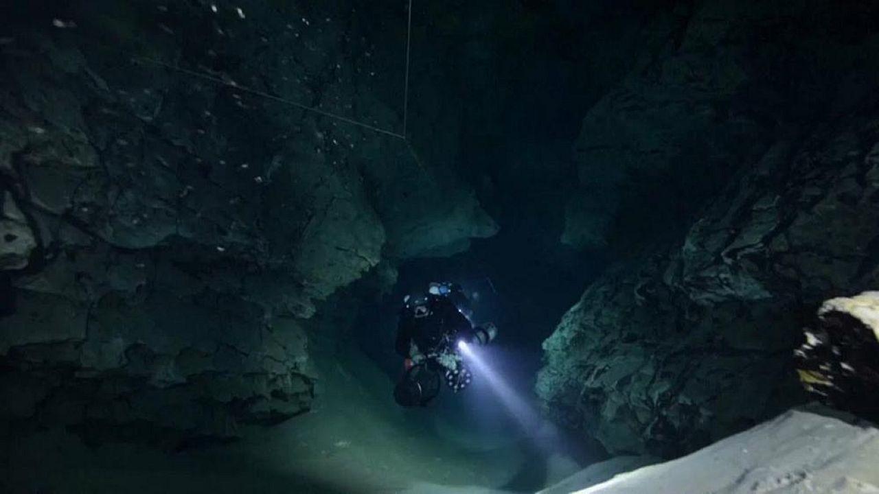 Дайверы исследуют уникальные пещеры... Будапешта