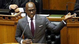 Güney Afrika İçişleri Bakanı'na mastürbasyon videosuyla şantaj