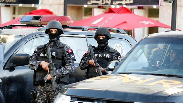 فيديو: من هي المرأة التي فجرت نفسها في تونس؟.. وشهود عيان يروون التفاصيل