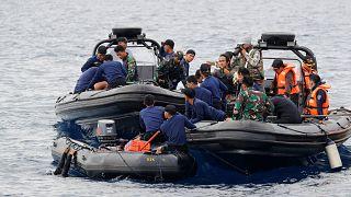 Авиакатастрофа в Индонезии: обнаружены тела погибших