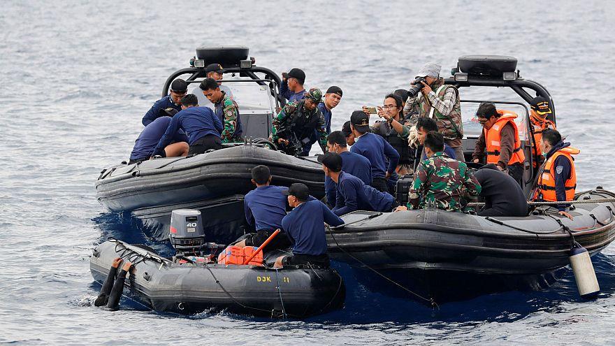 Não há sobreviventes do avião caído no Mar de Java