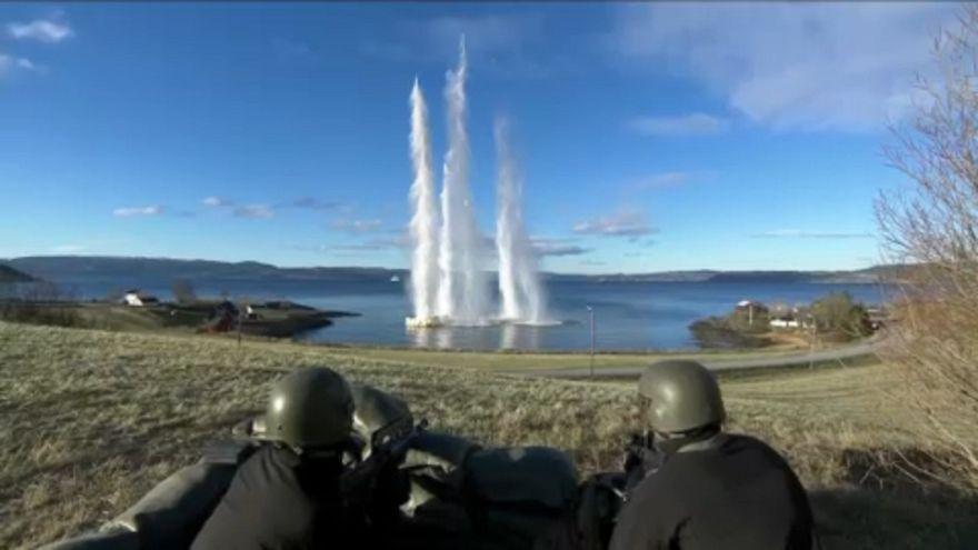 НАТО проводит учения на границе с Россией