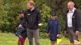 Gumicsizmákkal csapott össze a brit hercegi pár