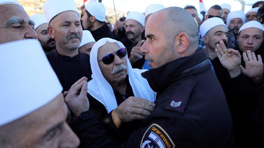 دروز الجولان يحتجون على الانتخابات البلدية الإسرائيلية في مجدل شمس