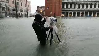 سیلاب در شهر همیشه آب گرفته ونیز