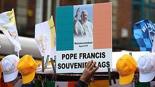 Papa Francesco: la scelta del silenzio di fronte alle accuse di Viganò