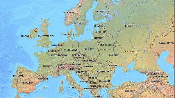 ما هو موقف أوروبا الشرقية والغربية من الدين وبعض القضايا الاجتماعية؟