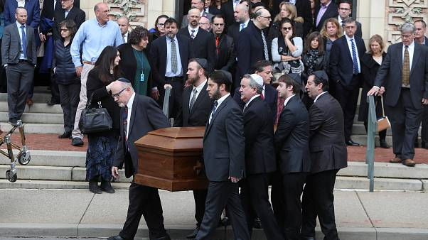 Premières funérailles le 30/10/2018 après la tuerie de Pittsburgh.